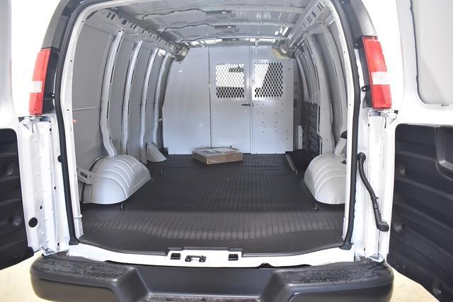 2021 GMC Savana 2500 4x2, Empty Cargo Van #43393 - photo 2