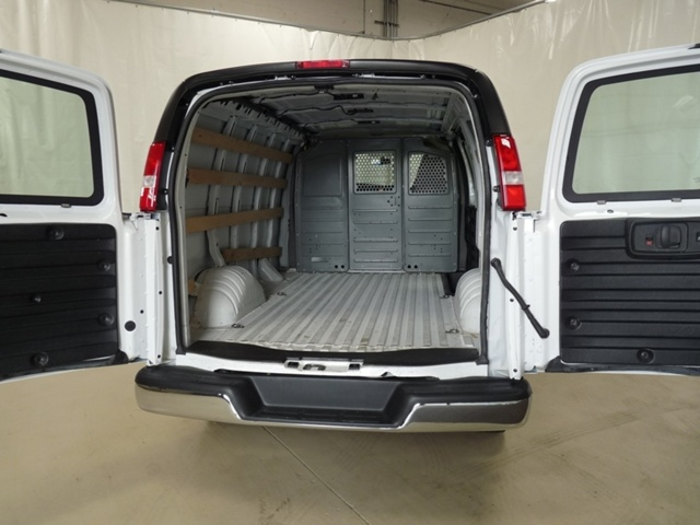 2017 Savana 2500,  Empty Cargo Van #P9655 - photo 3
