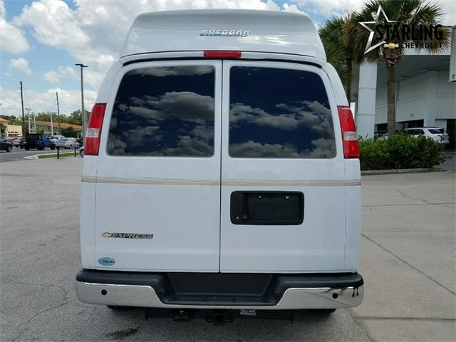 2017 Express 2500,  Passenger Wagon #H1165223 - photo 20