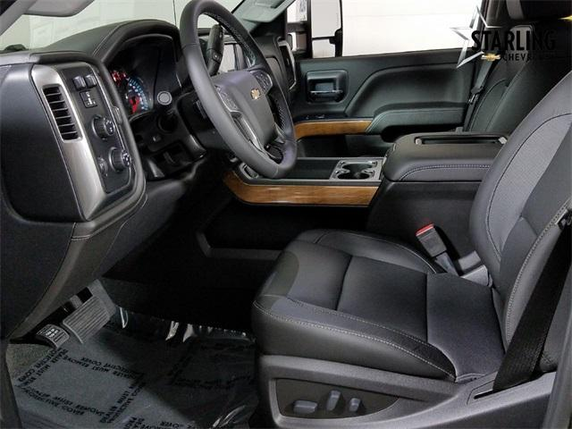 2019 Silverado 3500 Crew Cab 4x4,  Pickup #KF105543 - photo 4