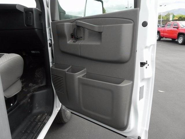 2017 Savana 4500, Supreme Cutaway Van #17220 - photo 11