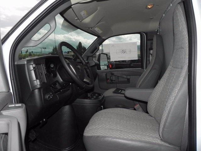 2017 Savana 4500, Supreme Cutaway Van #17220 - photo 12