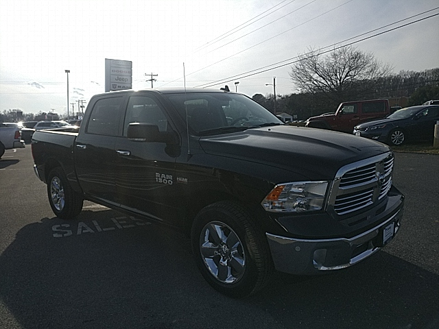 2017 Ram 1500 Crew Cab 4x4 Pickup #R61011 - photo 4