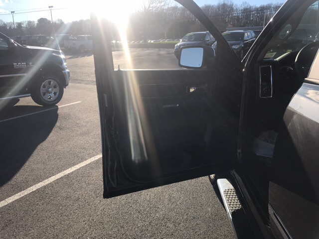 2017 Ram 1500 Crew Cab 4x4, Pickup #R61061 - photo 12