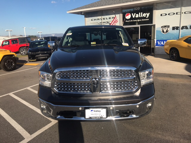 2017 Ram 1500 Crew Cab 4x4, Pickup #R61061 - photo 3