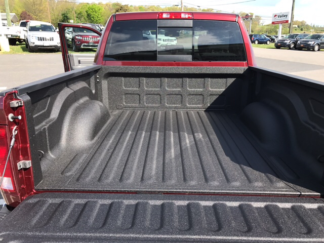 2017 Ram 1500 Crew Cab 4x4 Pickup #R61085 - photo 16