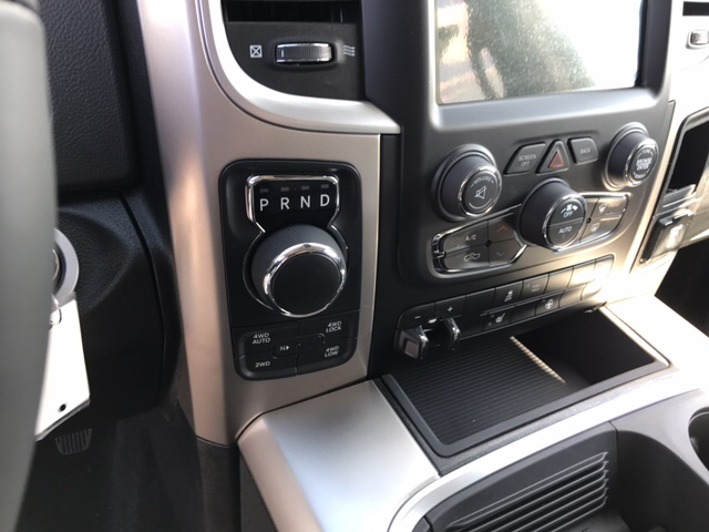 2017 Ram 1500 Crew Cab 4x4 Pickup #R61085 - photo 18