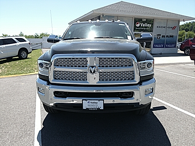 2017 Ram 3500 Crew Cab 4x4, Pickup #R61087 - photo 3