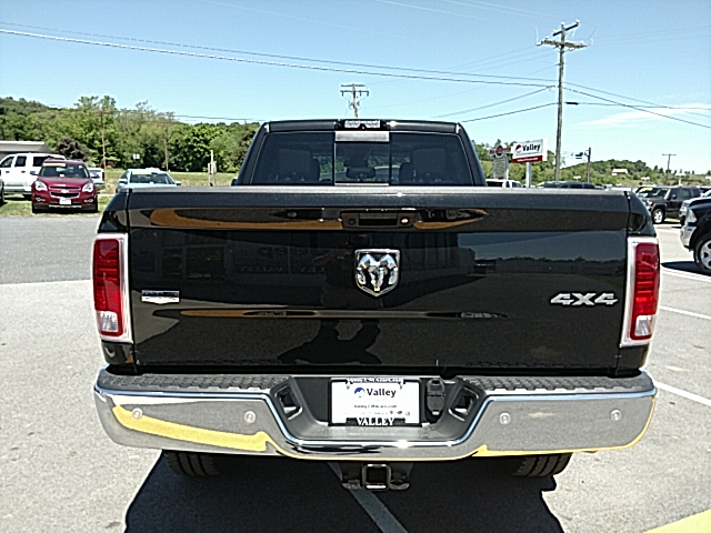 2017 Ram 3500 Crew Cab 4x4, Pickup #R61087 - photo 7