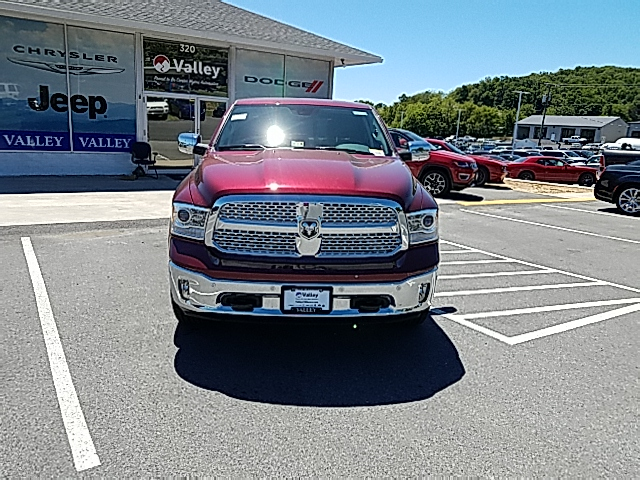2017 Ram 1500 Crew Cab 4x4, Pickup #R61110 - photo 3