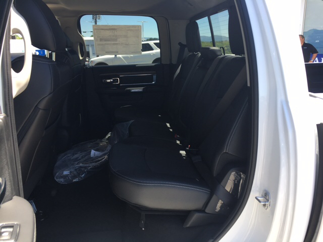 2017 Ram 1500 Crew Cab 4x4, Pickup #R61112 - photo 10