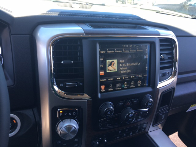 2017 Ram 1500 Crew Cab 4x4, Pickup #R61112 - photo 15