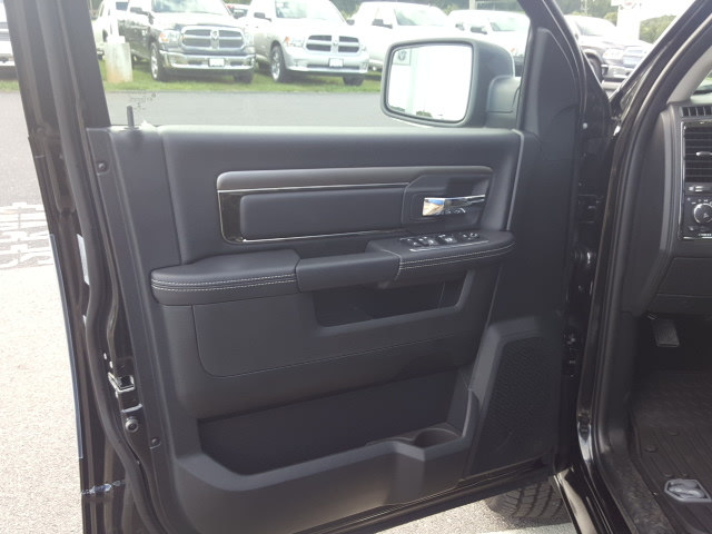 2017 Ram 1500 Crew Cab 4x4 Pickup #R61166 - photo 12