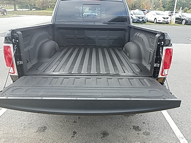 2017 Ram 1500 Crew Cab 4x4 Pickup #R61188 - photo 20
