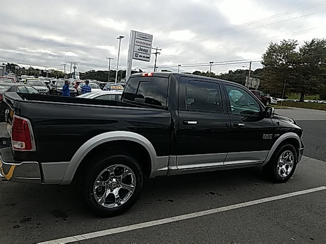 2017 Ram 1500 Crew Cab 4x4 Pickup #R61188 - photo 6