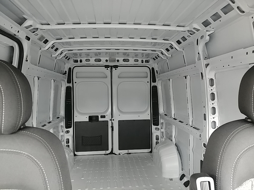 2018 ProMaster 2500 High Roof FWD,  Empty Cargo Van #R61346 - photo 17