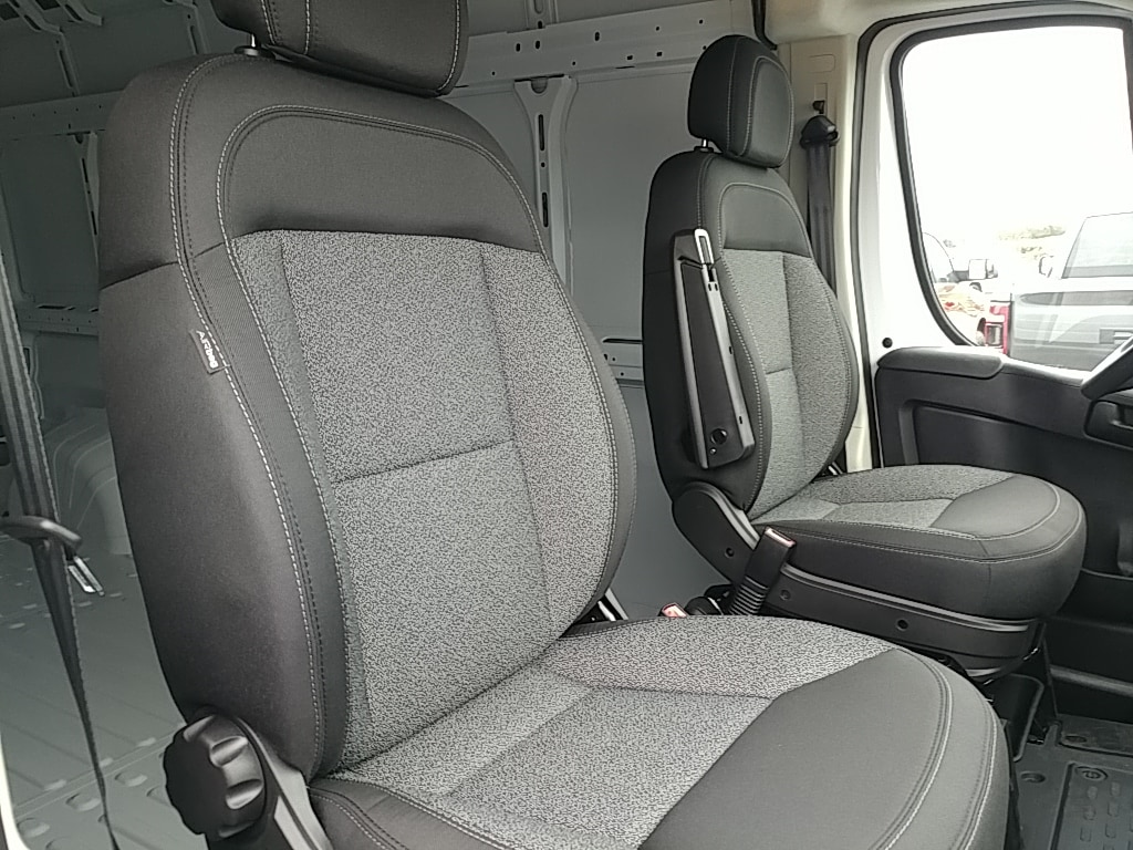 2018 ProMaster 2500 High Roof FWD,  Empty Cargo Van #R61346 - photo 18