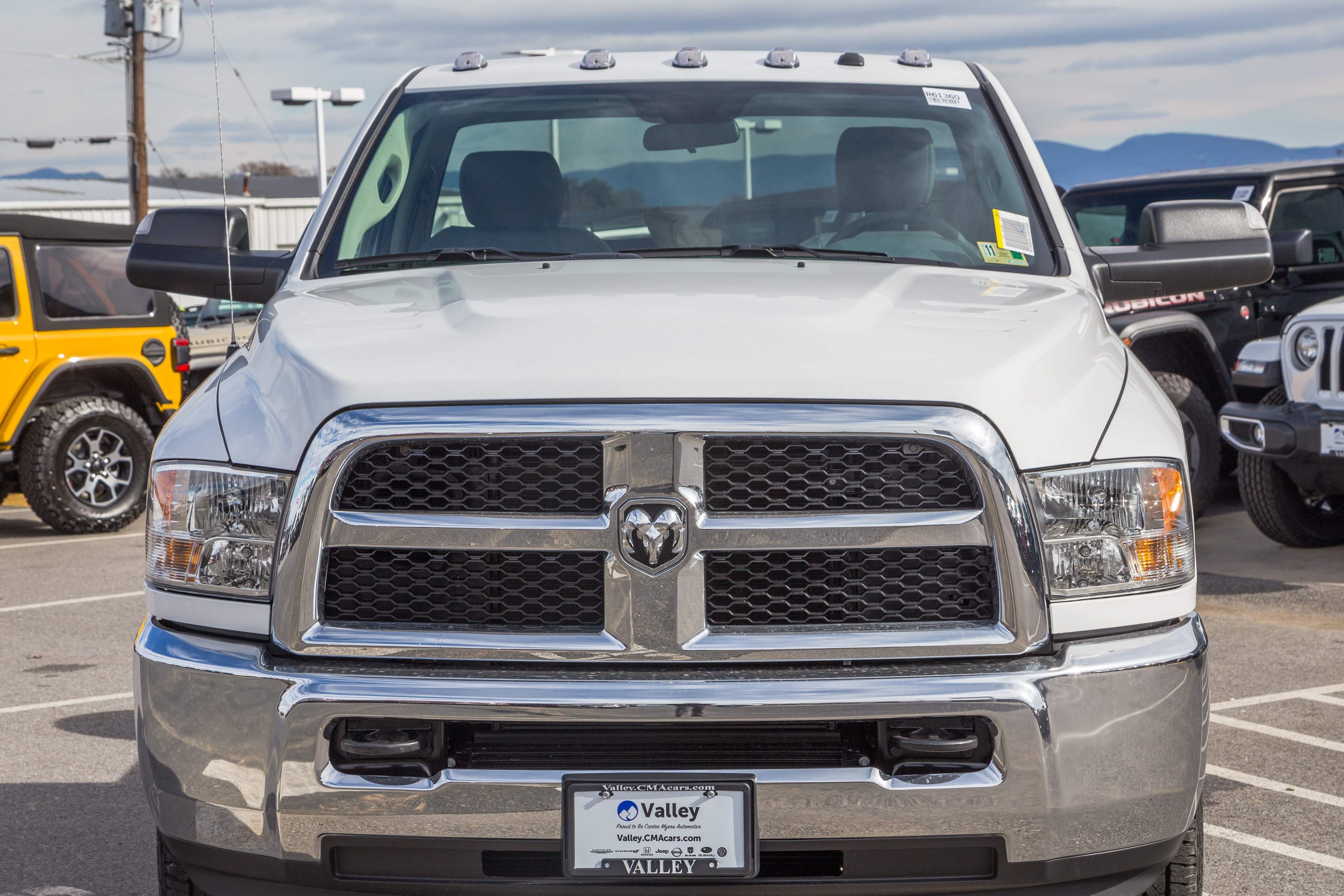 2018 Ram 3500 Regular Cab 4x4,  Cab Chassis #R61360 - photo 3