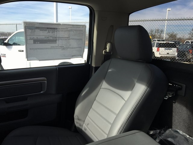 2017 Ram 5500 Regular Cab DRW 4x4, Cab Chassis #R1155 - photo 21