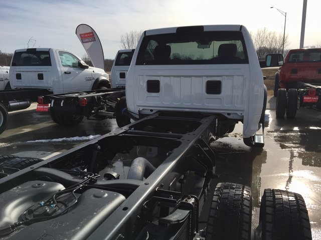 2017 Ram 5500 Regular Cab DRW 4x4, Cab Chassis #R1155 - photo 27