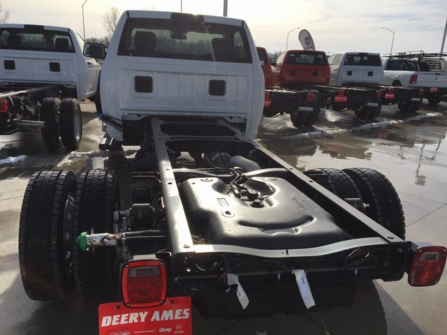 2017 Ram 5500 Regular Cab DRW 4x4, Cab Chassis #R1155 - photo 2