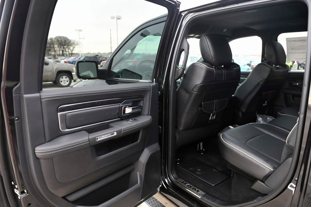 2017 Ram 1500 Crew Cab 4x4, Pickup #R1195 - photo 15