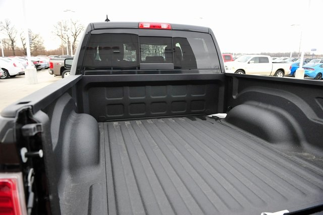 2017 Ram 1500 Crew Cab 4x4, Pickup #R1195 - photo 19