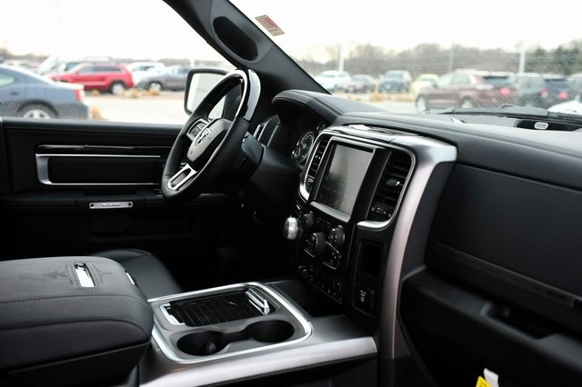 2017 Ram 1500 Crew Cab 4x4, Pickup #R1195 - photo 22