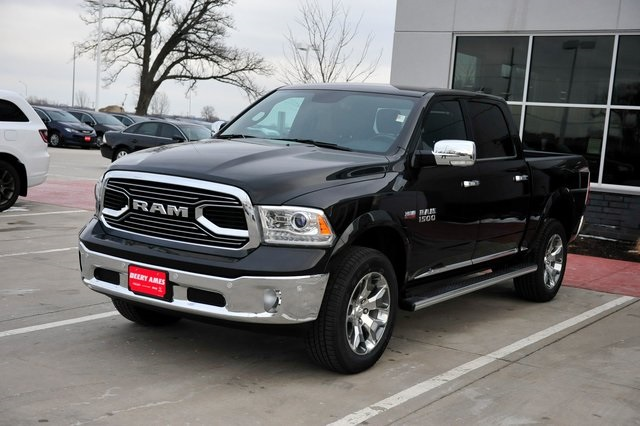 2017 Ram 1500 Crew Cab 4x4, Pickup #R1195 - photo 28