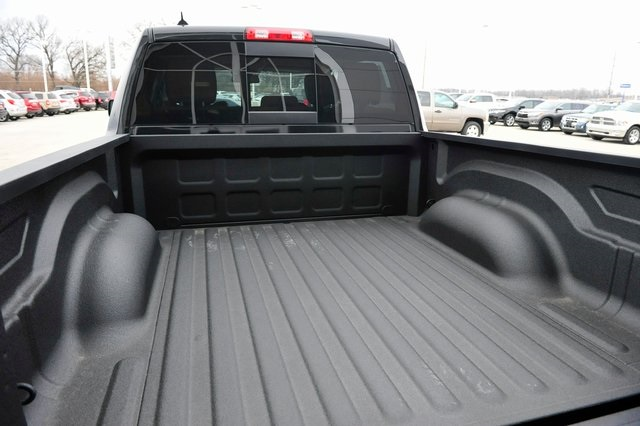 2017 Ram 1500 Crew Cab 4x4, Pickup #R1229 - photo 20