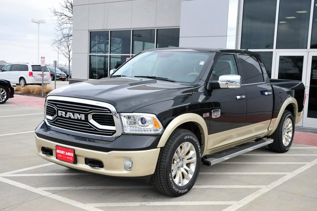 2017 Ram 1500 Crew Cab 4x4, Pickup #R1229 - photo 29