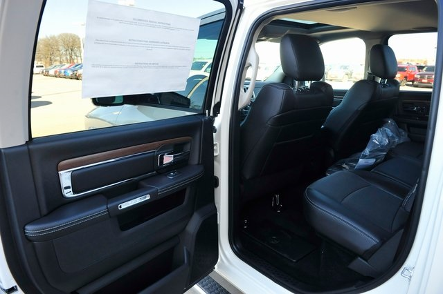 2017 Ram 1500 Crew Cab 4x4, Pickup #R1248 - photo 16