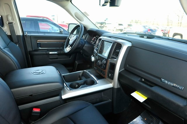 2017 Ram 1500 Crew Cab 4x4, Pickup #R1248 - photo 23
