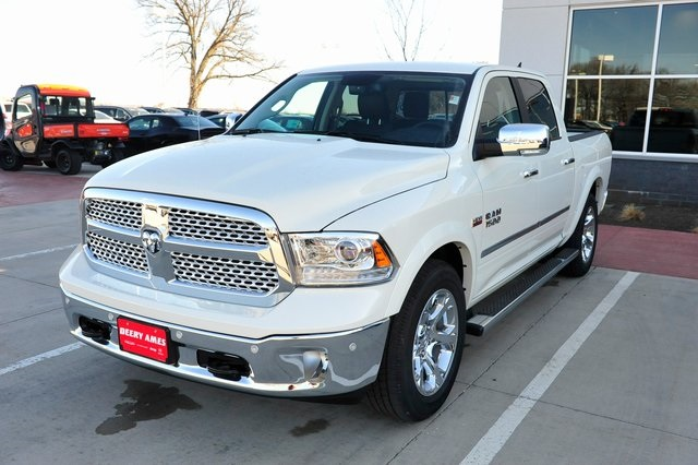 2017 Ram 1500 Crew Cab 4x4, Pickup #R1248 - photo 29