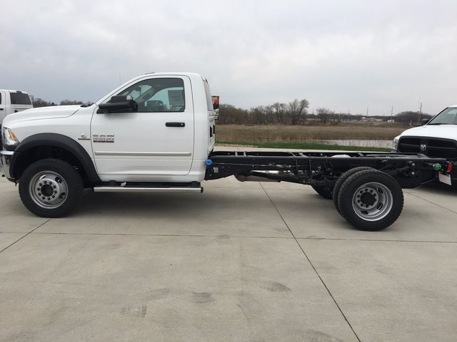 2017 Ram 5500 Regular Cab DRW 4x4, Cab Chassis #R1264 - photo 8