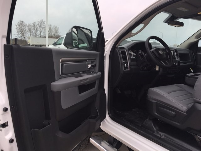 2017 Ram 5500 Regular Cab DRW 4x4, Cab Chassis #R1264 - photo 10