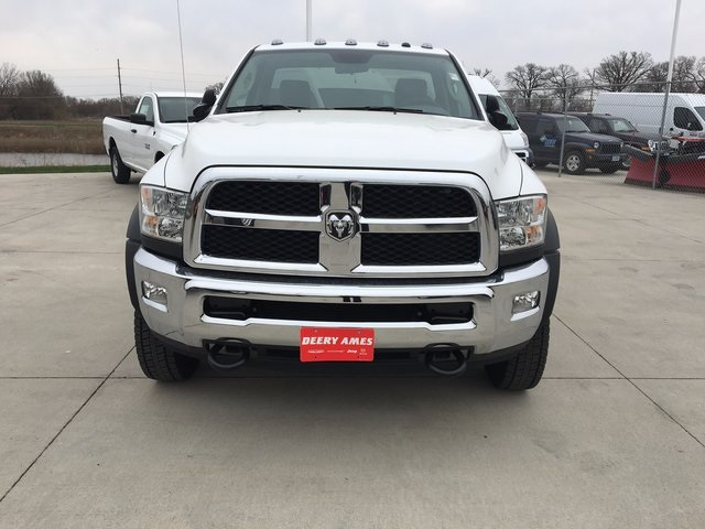 2017 Ram 5500 Regular Cab DRW 4x4, Cab Chassis #R1264 - photo 3