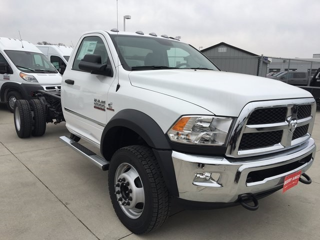 2017 Ram 5500 Regular Cab DRW 4x4, Cab Chassis #R1264 - photo 4
