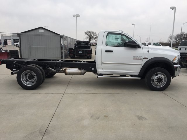2017 Ram 5500 Regular Cab DRW 4x4, Cab Chassis #R1264 - photo 5