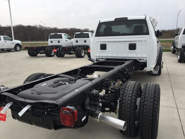 2017 Ram 5500 Regular Cab DRW 4x4, Cab Chassis #R1264 - photo 6