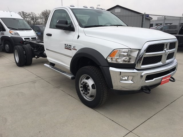 2017 Ram 5500 Regular Cab DRW 4x4, Cab Chassis #R1295 - photo 5