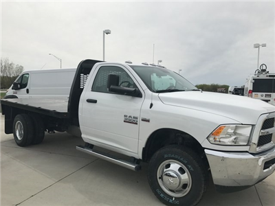 2017 Ram 3500 Regular Cab DRW 4x4, Knapheide PGNB Gooseneck Platform Body #R1350 - photo 4