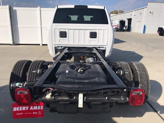 2017 Ram 3500 Crew Cab DRW 4x4,  Platform Body #R1514 - photo 5