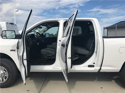 2017 Ram 3500 Crew Cab 4x4, Pickup #R1546 - photo 5