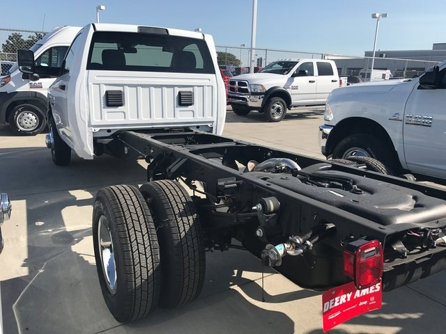 2017 Ram 3500 Regular Cab DRW 4x4 Cab Chassis #R1575 - photo 4