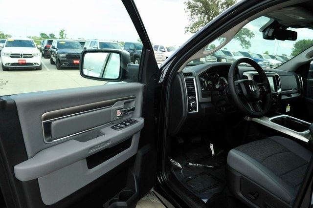 2017 Ram 1500 Crew Cab 4x4 Pickup #R1604 - photo 3