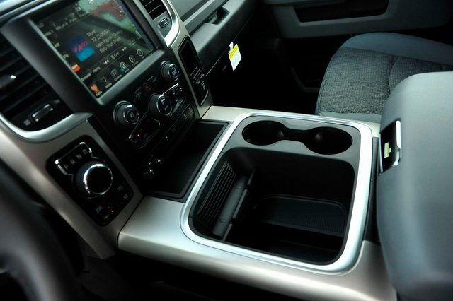 2017 Ram 1500 Crew Cab 4x4 Pickup #R1604 - photo 11