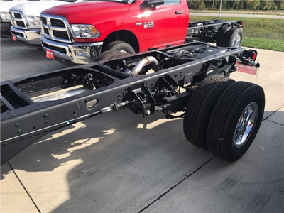 2018 Ram 3500 Regular Cab DRW 4x4 Cab Chassis #R1641 - photo 5