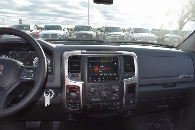 2018 Ram 1500 Crew Cab 4x4 Pickup #R1650 - photo 8