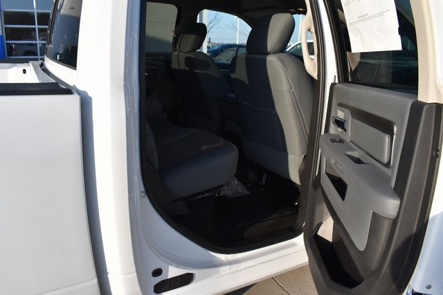 2018 Ram 1500 Crew Cab 4x4, Pickup #R1651 - photo 20